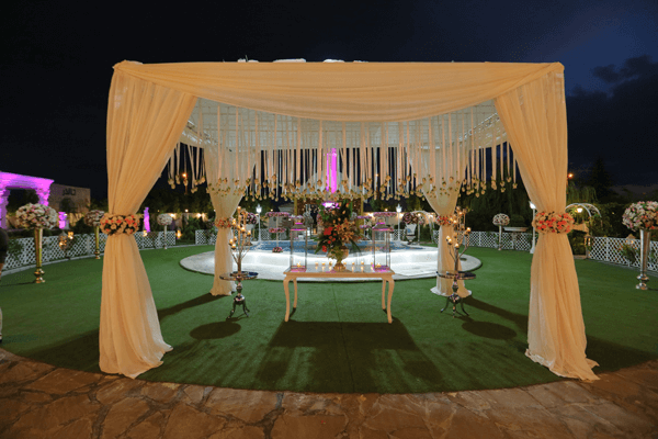 چگونه والدینی را که طلاق گرفته اند را به عروسی دعوت کنیم