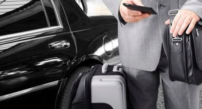 The Benefits of Airport Pick Up Limo Services