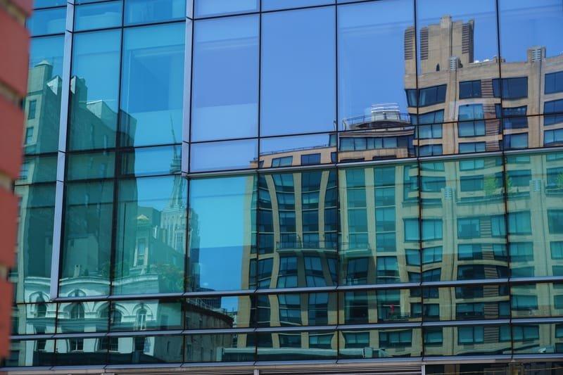 Manhattan reflections No.1.