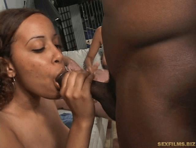 Hot interracial sexparty