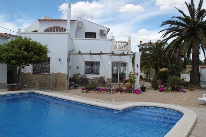 Haus mit 2 Wohnungen und privatem Pool EUR 285.000 VHB