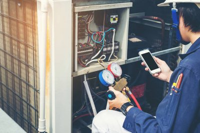 What to Consider When Selecting a Furnace Replacement Service