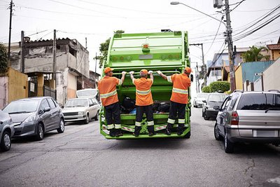 Scrap Removal Services: Top Tips For Working With a Solution